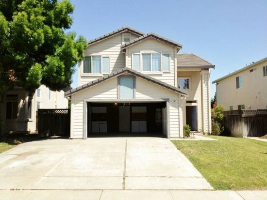 565 Edenderry Dr, Vacaville, CA 95688