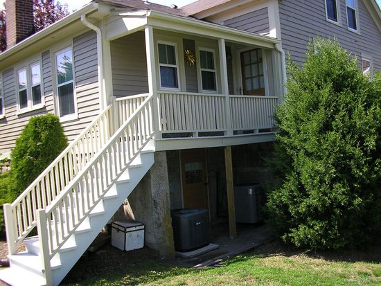 33 London St UNIT 33, East Greenwich, RI 02818