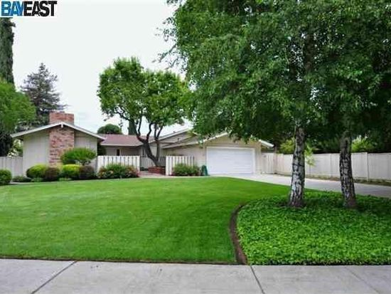 2449 Minivet Ct, Pleasanton, CA 94566