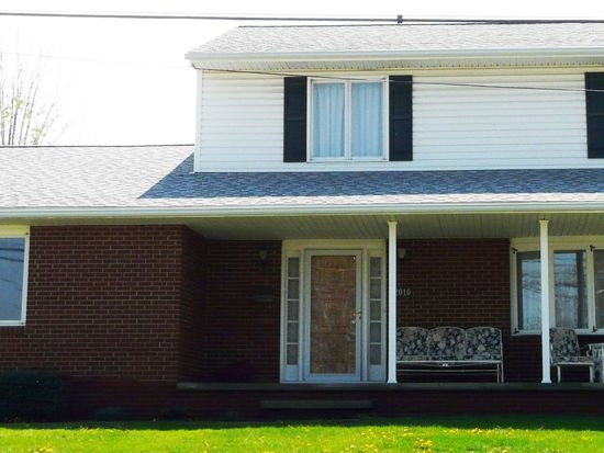 2010 Springfield Center Rd, Akron, OH 44312