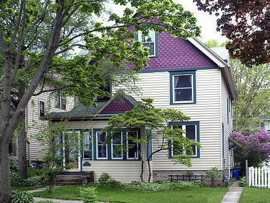 3241 S Delaware Ave, Milwaukee, WI 53207