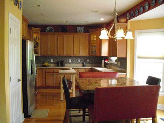 422 Southfield Dr, Greensburg, PA 15601