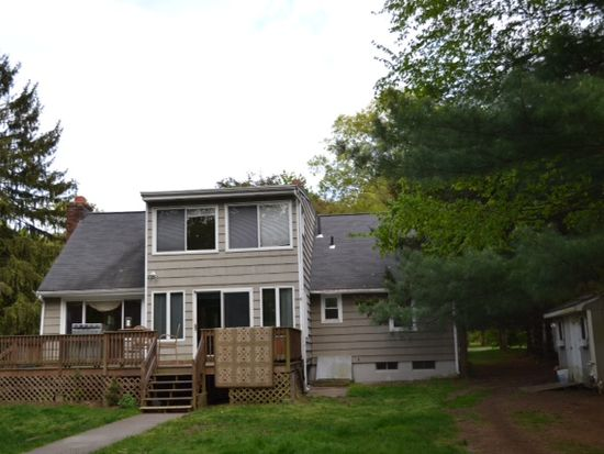 37 Tahmore Dr, Fairfield, CT 06825