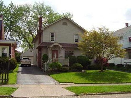 369 Spencer Ave, Sharon, PA 16146