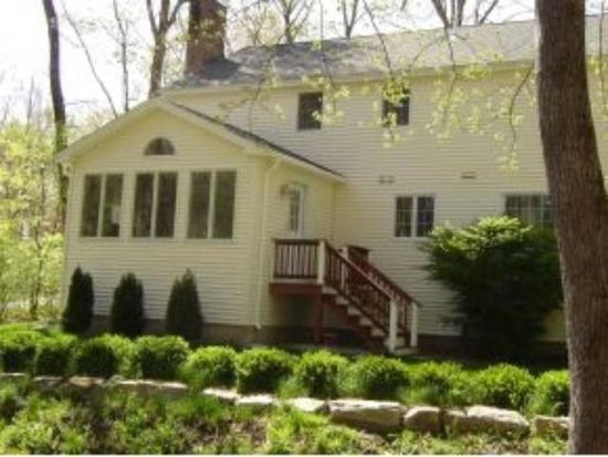 12 Little Pine Ln, Exeter, NH 03833