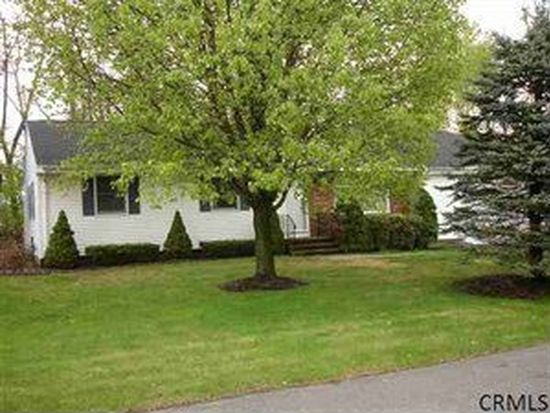 10 College View Dr, Albany, NY 12211