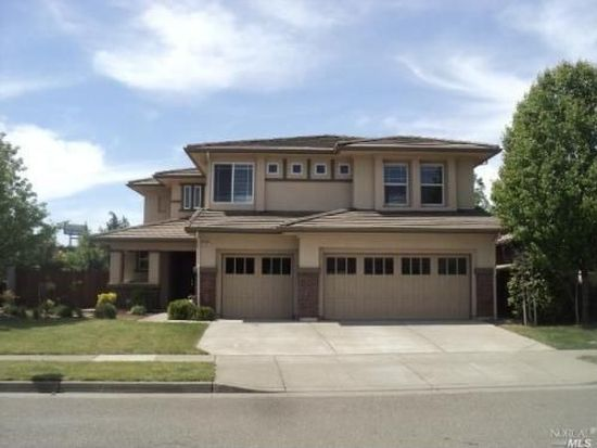 4001 The Masters Dr, Fairfield, CA 94533
