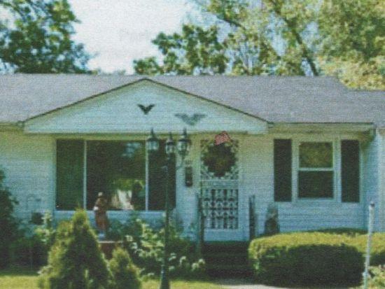 320 Saint Anthony Ln, Florissant, MO 63031