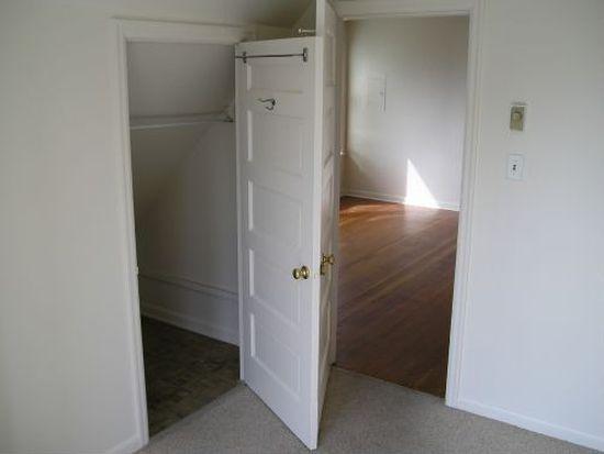 1319 N 42nd St, Seattle, WA 98103