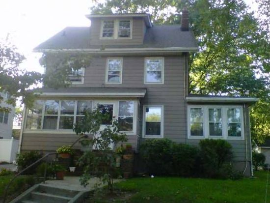 11 John F Kennedy Dr S, Bloomfield, NJ 07003