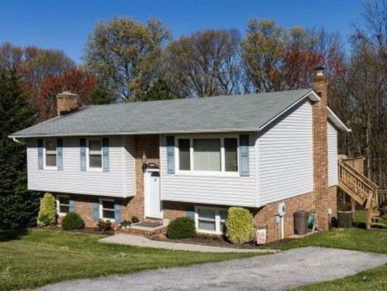 1608 Carriage Hill Dr, Westminster, MD 21157