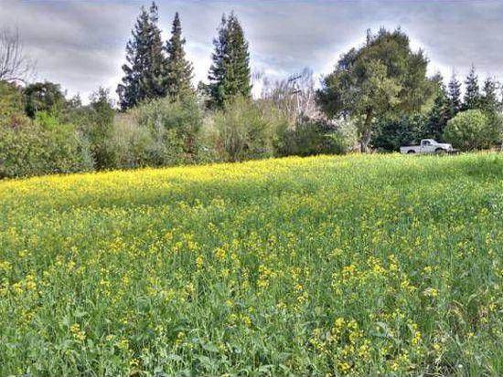 12660 Robleda Rd, Los Altos Hills, CA 94022