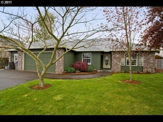 902 S Pine St, Canby, OR 97013