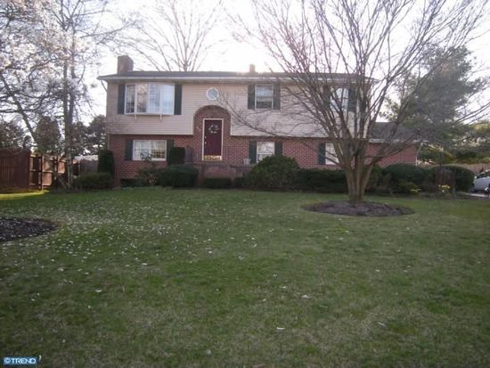 648 W Spring St, Fleetwood, PA 19522