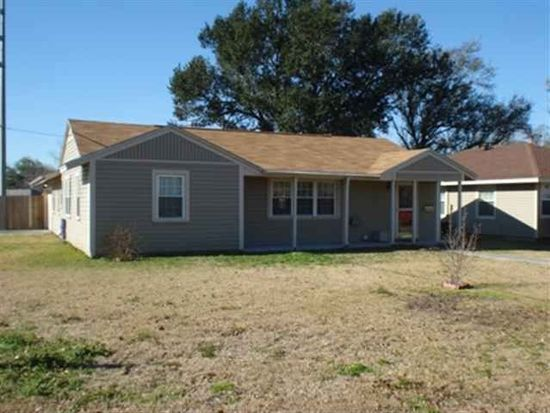 4801 Bellaire Ave, Groves, TX 77619
