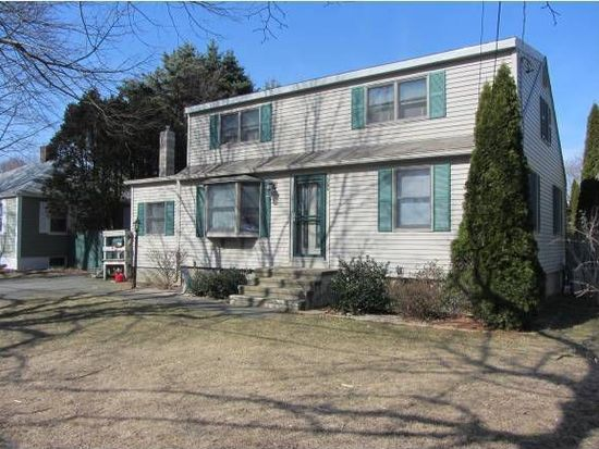 277 Colonial Dr, Portsmouth, NH 03801