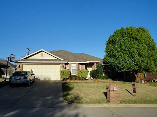 832 Spring Meadows Dr, Burleson, TX 76028