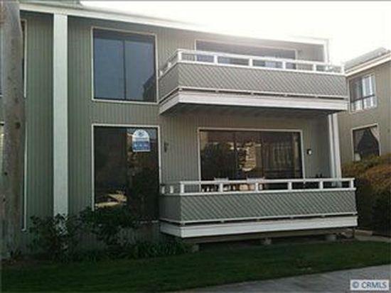 20 Escapade Ct, Newport Beach, CA 92663