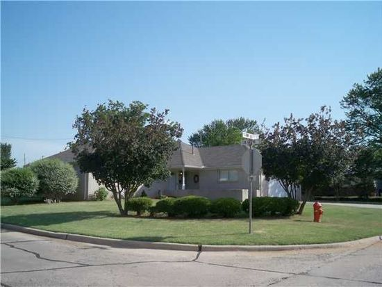 5600 NW 66th St, Warr Acres, OK 73132