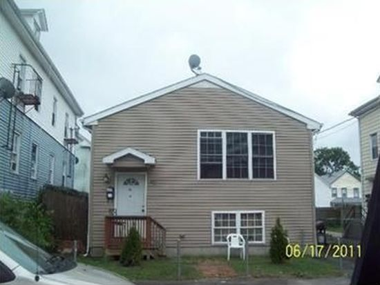 138 Hendrick St, Providence, RI 02908