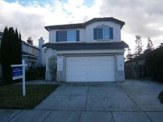 930 Pearwood Ct, Vacaville, CA 95687