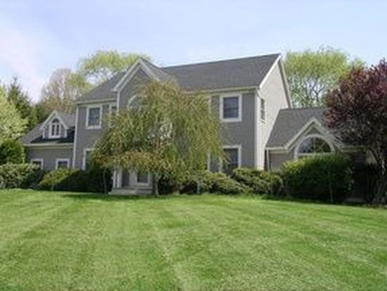 100 Carriage Hill Rd, Brewster, NY 10509