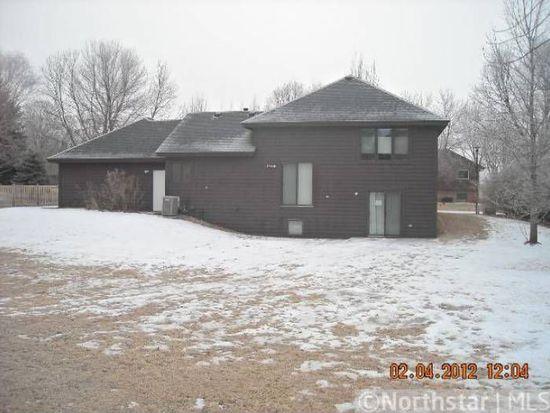516 Westwood Ln, Chaska, MN 55318