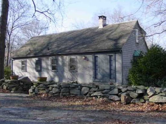 45 Red Feather Trl S, South Kingstown, RI 02879