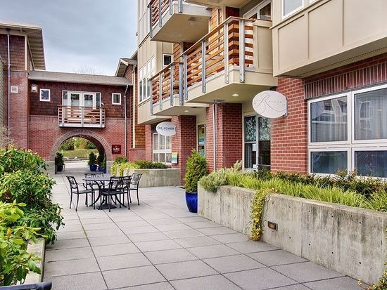 400 Winslow Way E APT 270, Bainbridge Island, WA 98110