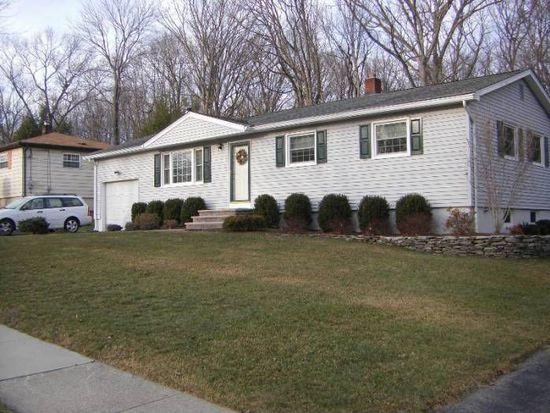 22 Highland Rd, Oak Ridge, NJ 07438
