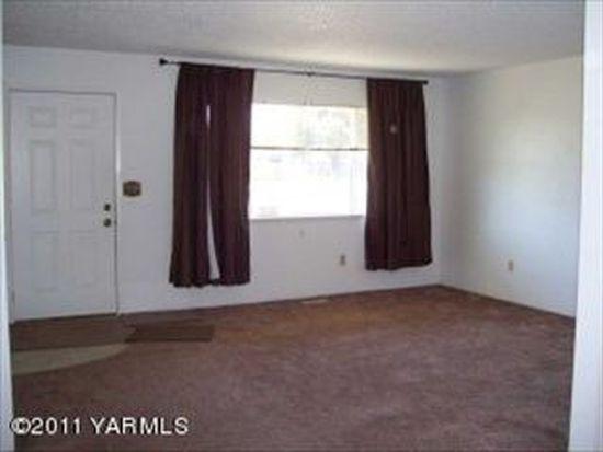 1005 Westbrook Pl, Yakima, WA 98908