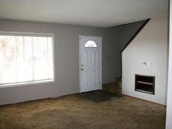 697 Lorna Way, Oakdale, CA 95361
