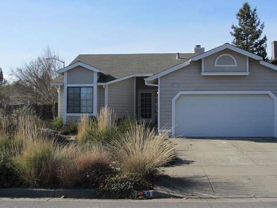 2459 Pinercrest Dr, Santa Rosa, CA 95403