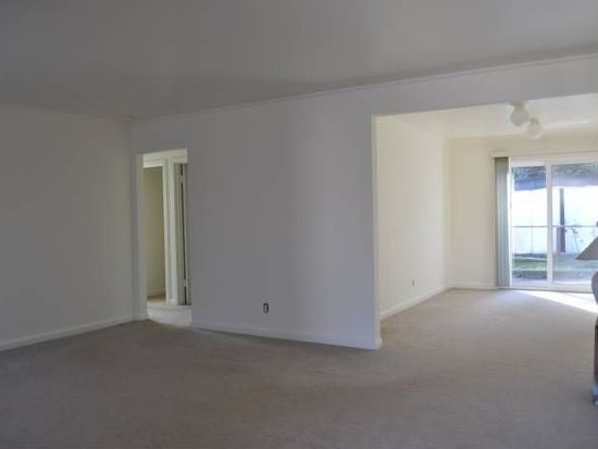735 Thornhill Dr, Daly City, CA 94015