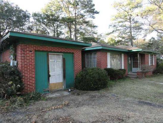 716 Pinehill Dr, Mobile, AL 36606