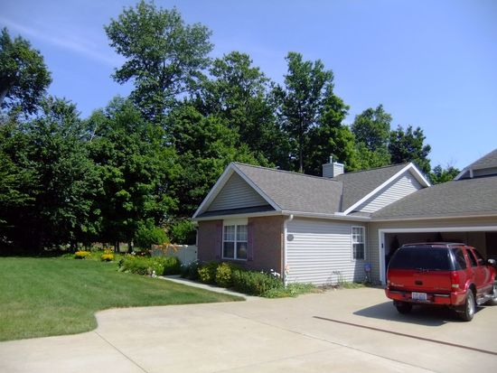 75645 Monterey Bay Dr, Mentor On The Lake, OH 44060