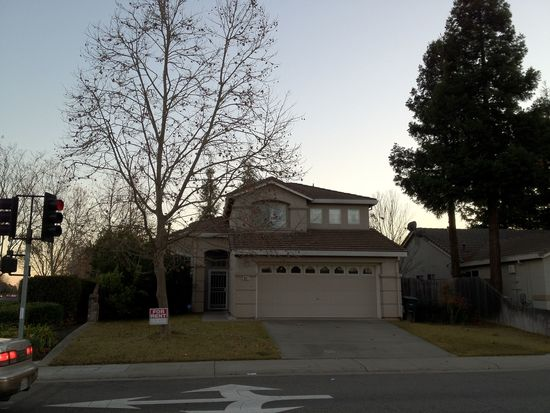 9417 Village Tree Dr, Elk Grove, CA 95758