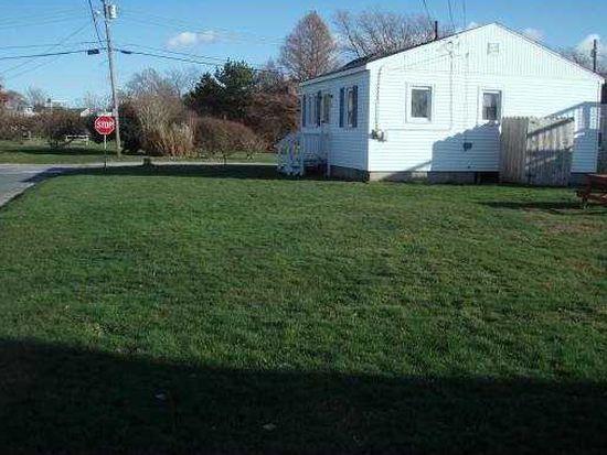 25 Pine Ave, Narragansett, RI 02882