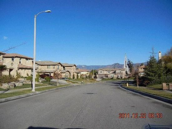 472 Starlight Ct, Redlands, CA 92374