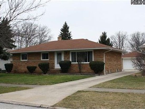 2318 Oaklawn Dr, Parma, OH 44134