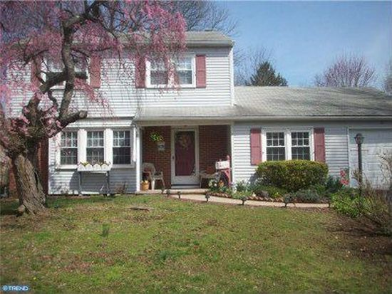 31 Peaceful Dr, Morrisville, PA 19067