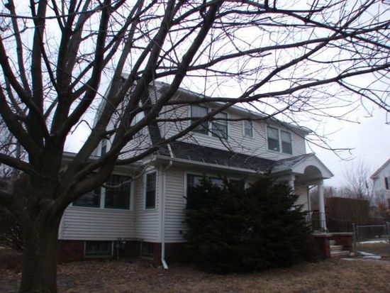410 12th St, Marion, IA 52302