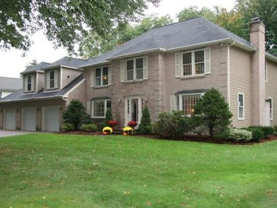 5 Alonesos Way, Andover, MA 01810