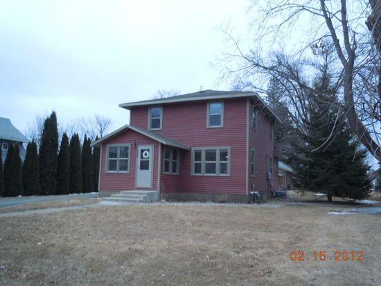 1207 6th St SW, Willmar, MN 56201