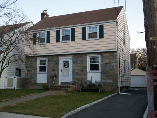 31 Collins Ave, Bloomfield, NJ 07003