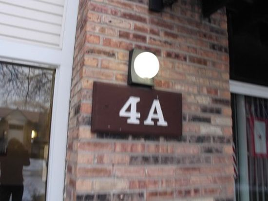 4 Kingery Quarter, Willowbrook, IL 60527