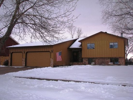 2813 23rd St S, Fargo, ND 58103