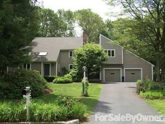 88 Robin Hill Rd, Holliston, MA 01746