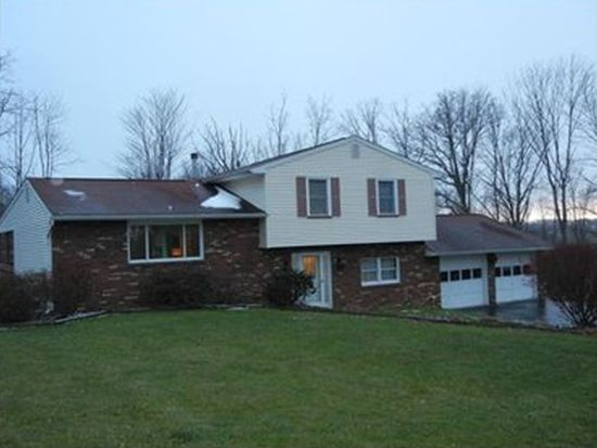 134 Hillcrest Acres, New Castle, PA 16102