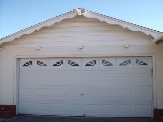 27145 Hibiscus St, Highland, CA 92346